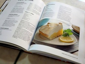 pandoras-kitchen-blog-greece-giveaway-recipebook