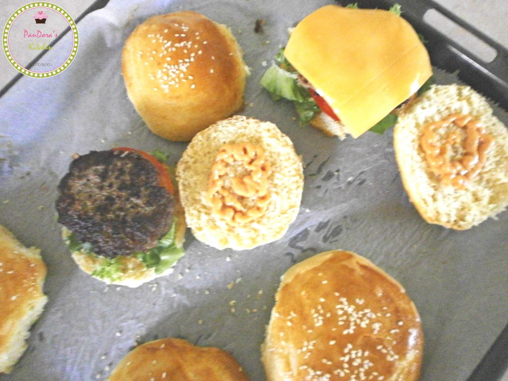 pandoras-kitchen-blog-greece-bread-homemade-burger