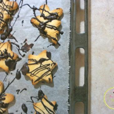 Χριστουγεννιάτικα μπισκότα με μαστίχα και σοκολάτα