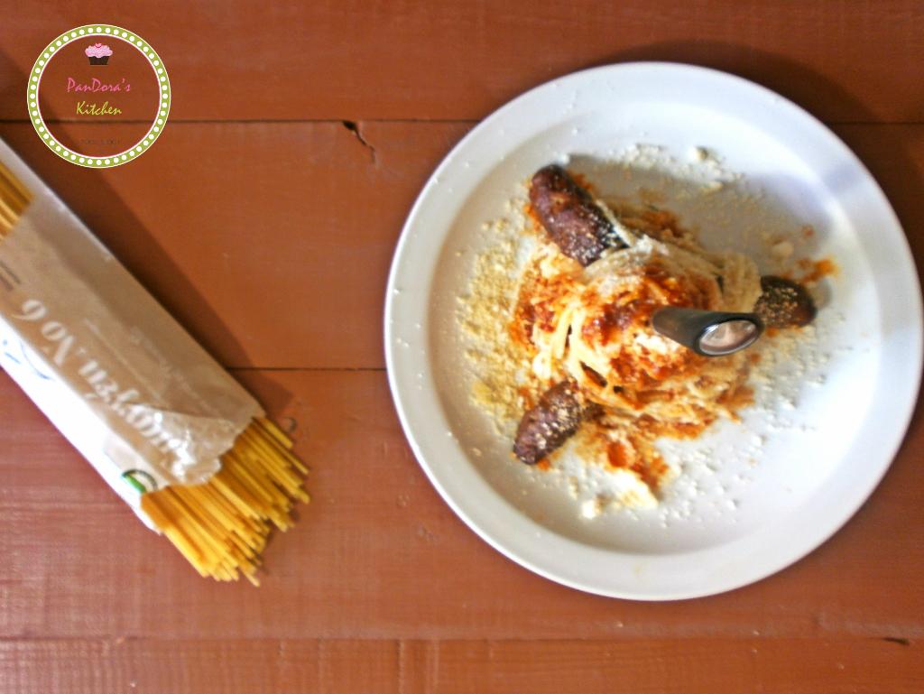 σμυρναίικα σουτζουκάκια με μακαρόνια-μασούτης-vimagourmet