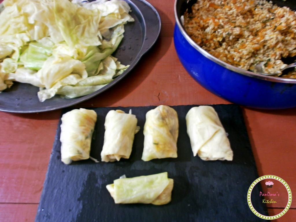 λαχανοντολμάδες με λευκή λεμονάτη κρέμα-αυγολέμονο-λαχανο-γιαπράκια-ντολμάς-μασούτης-vimagourmet