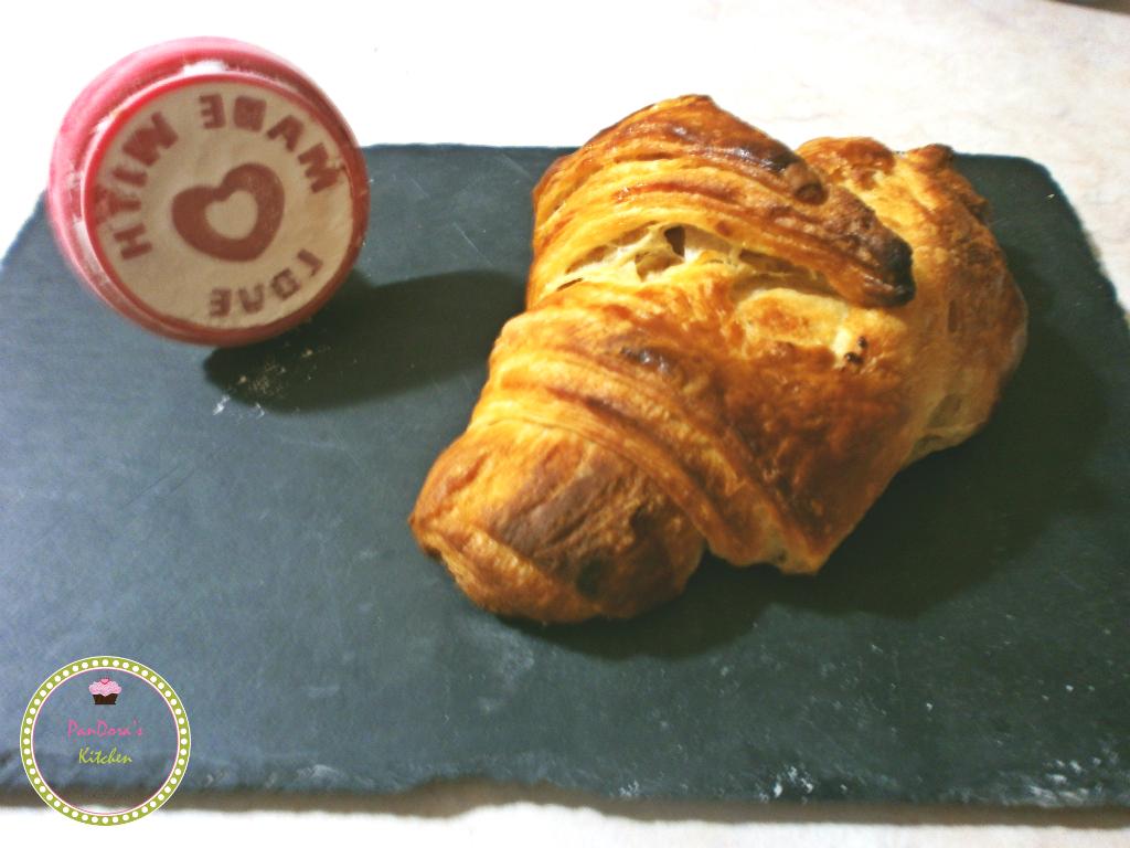 κρουασάν-κρουασάν βουτύρου απο γαλλικό φούρνο-πρωινο