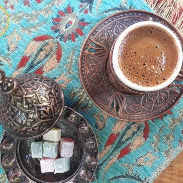 Όλα όσα πρέπει να ξέρετε για τον Ελληνικό καφέ: ιστορία και συνταγή