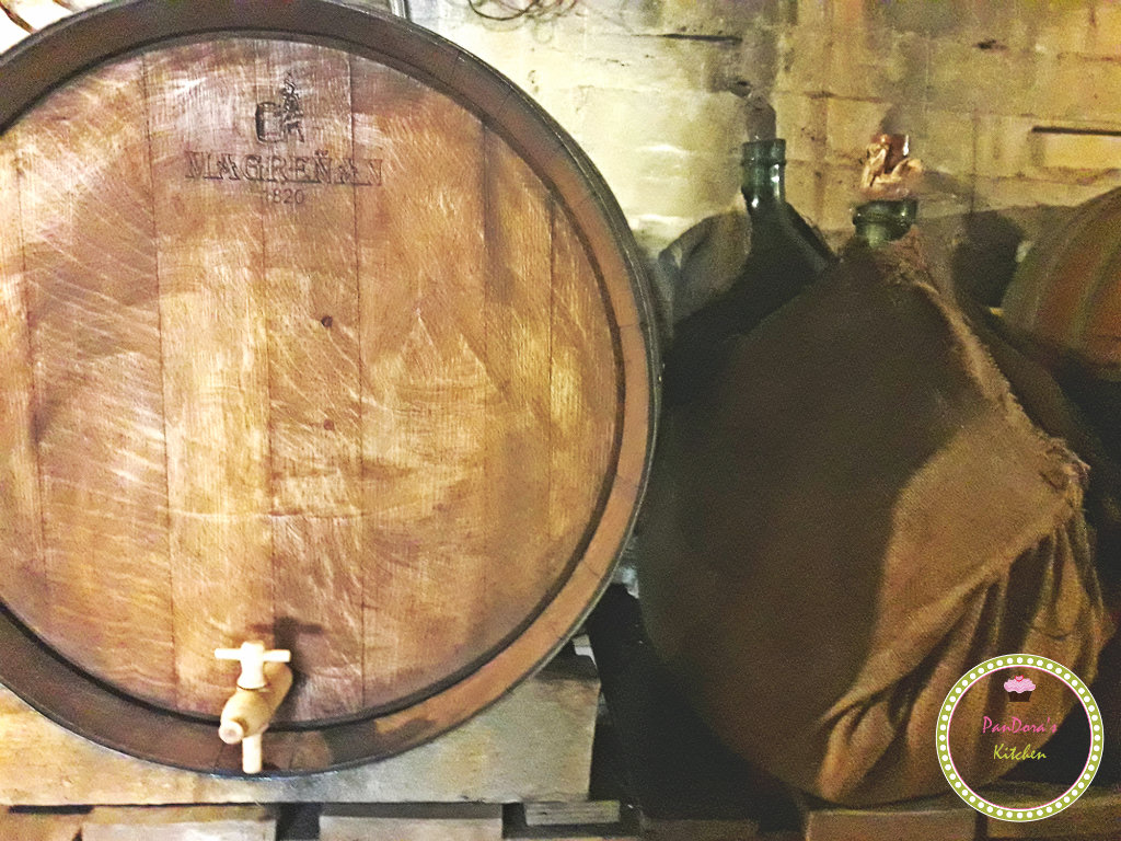 wine-barrel-whiskey-grapes-wood-magrenan barrels