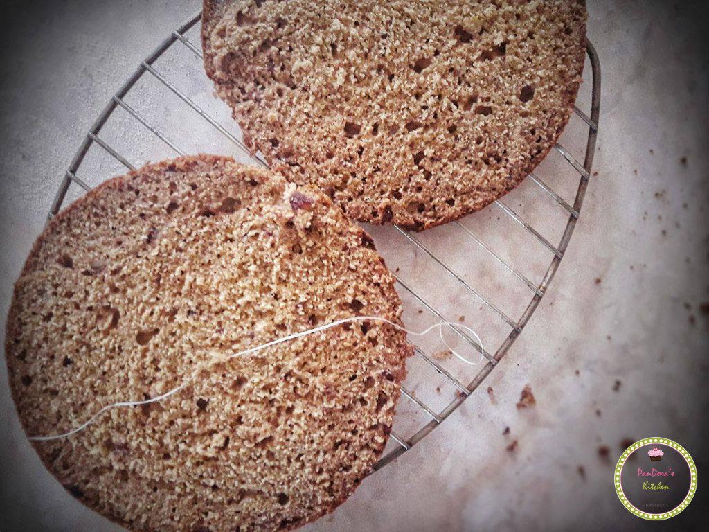 τούρτα με mousse ταχίνι χωρίς ζάχαρη και γαλακτοκομικά-τούρτα-ταχίνι-χωρίς ζάχαρη-παντεσπάνι