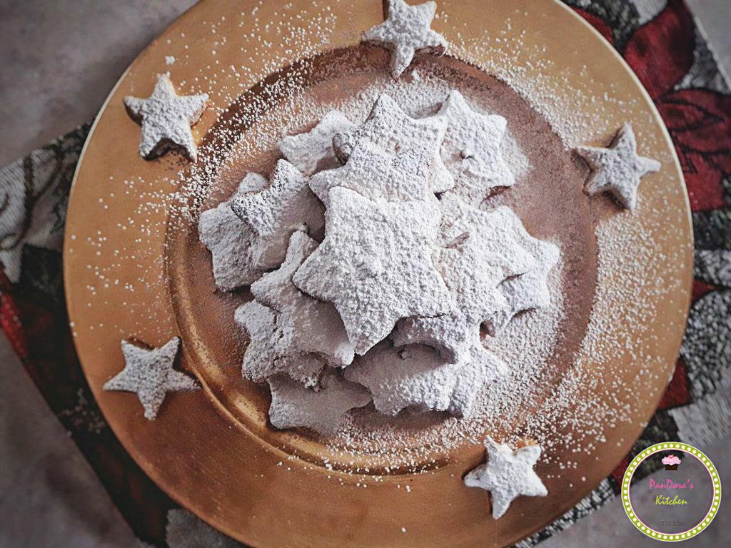 κουραμπιέδες βουτύρου-χριστουγεννιάτικο τραπέζι-γλυκα
