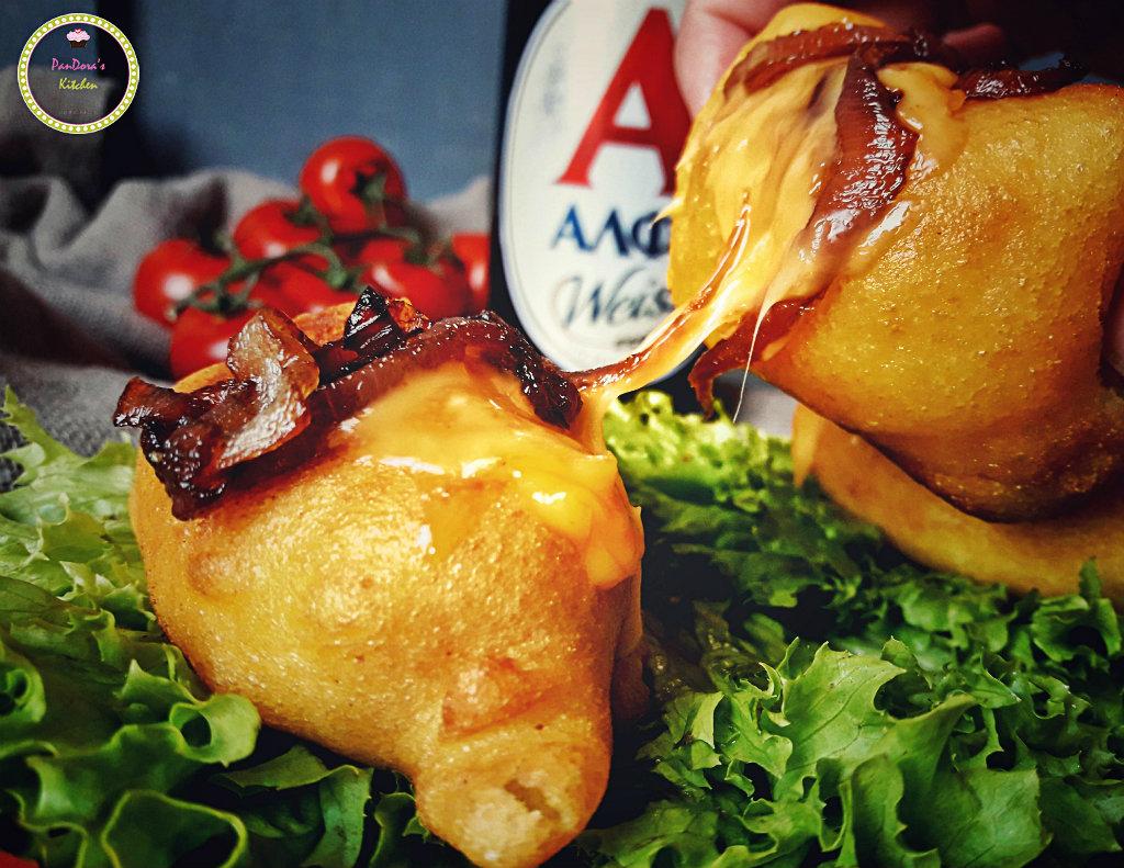 Corn dogs με καραμελωμένα κρεμμύδια-μπύρα-τσένταρ-τυρί-ΑΛΦΑ-μπύρα ΑΛΦΑ-λουκάνικο