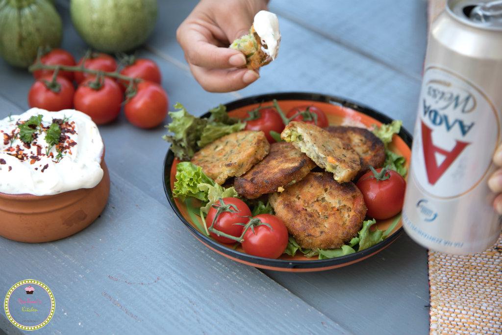 κεφτεδάκια λαχανικών με δροσερή σάλτσα γιαουρτιού-ντοματοκεφτέδες-κολοκυθοκεφτέδες-κεφτέδες-μπύρα-ΑΛΦΑ