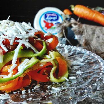 Linguine λαχανικών με αλμυρό τυρί Μαστέλο