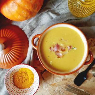 soup-turmeric-pumpkin
